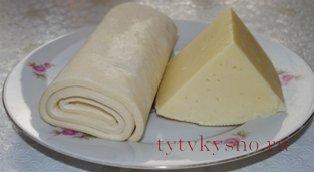 ингредиенты для сырных слоеных палочек
