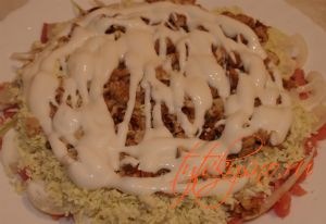 Салат с красной копченой рыбой  может отлично подойти к Новогоднему столу, как застольный закусочный вариант  праздничного салата.