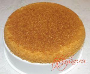 """Торт """"Птичье молоко"""" с манкой Достаем коржи емкостью для приготовления на пару"""