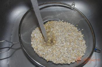 для рецепта домашнее овсяное печенье  промываем овсяные хлопья