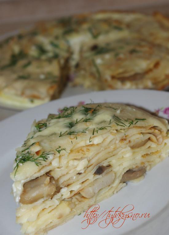 Блинчатый пирог с грибами фото