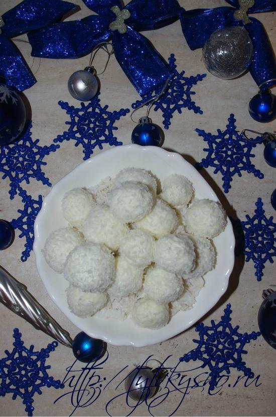 """рецепт новогоднего сказочного салата """"Снежки"""" создает атмосферу праздника, зимы"""