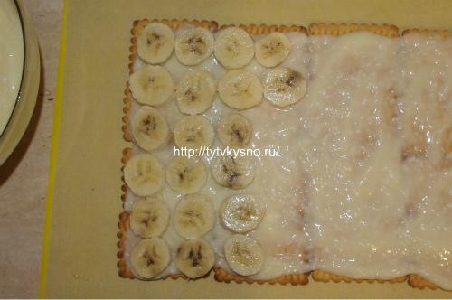 слой бананов, смазываем кремом, для рецепта торт без выпечки