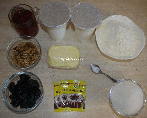 ингредиенты рецепта: пирог с черносливом и грецкими орехами в сметанной заливке