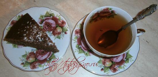 Вот такой простой в приготовлении пирог к чаю -  вкусный шоколадный манник у меня получился. Приятного аппетита!
