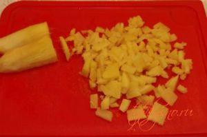 Теплый салат из курицы с имбирем.