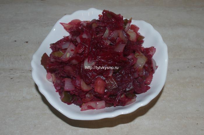 простой еврейский салат из свеклы фото