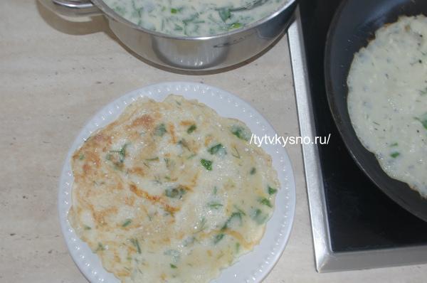печем сырные блины