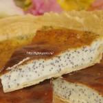 Открытый пирог с маком в сметанной заливке
