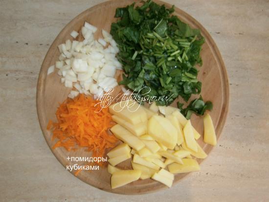 подготовка ингредиентов для супа со щавелем и курицей