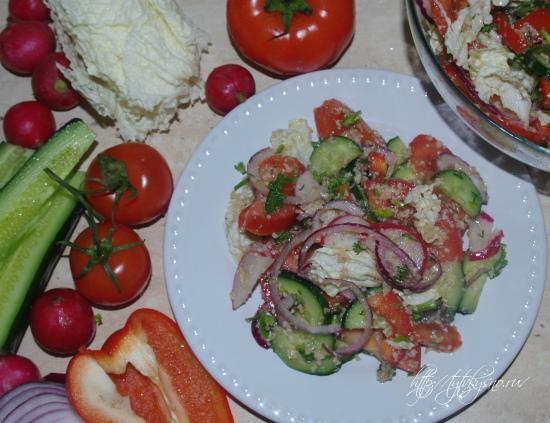 очень простой овощной салат с ореховой заправкой рецепт с фото