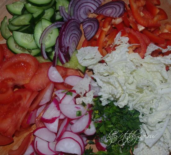 крошим овощи для салата Глехуард