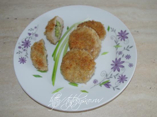фото рецепта котлеты из индейки с начинкойй из сыра с зеленью