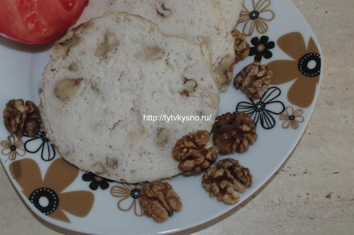 фото: колбаса домашняя куриная запеченная со сливками и грецкими орехами